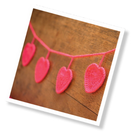 """Crochet Hearts Garland"" Crochet Kit"